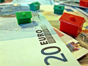 Money exchange - get euros to buy house in france