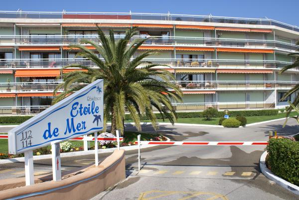 Duplex Wohnung mit perfekter Lage, direct am Strand in Cannes!