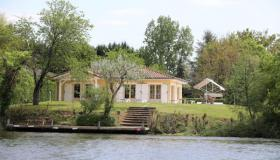 Luxusvilla direkt am Fluss Lot. Ein Fischerparadies.