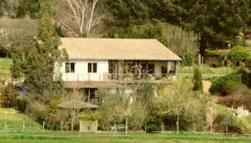 Big independant home with great view over the vineyards and fields