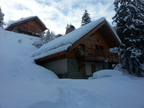8-10 person detached chalet on the slopes of Alpe Huez, Oz-en-Oisans near Grenoble airport