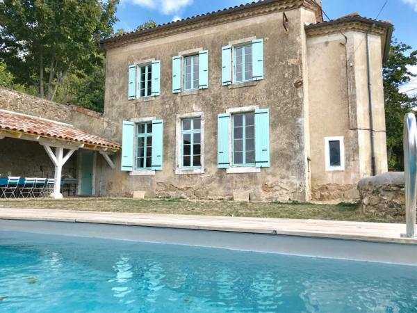Former school with private pool in the heart of the Ardèche region