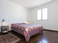 Basse Croix des Gardes. Beautiful airy apartment within walking distance of the sea