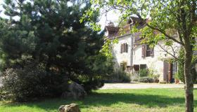 A beautifully restored country house of character and charm set amidst spectacular scenery in the Tarn et Garonne.
