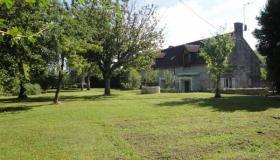 Beautiful farmhouse for sale in the heart of the chateaux of the Loire Valley