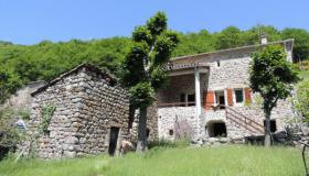 Beautiful stone house, typical of the Ardèche, in an unspoilt natural setting