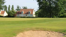Bungalow on the Orléans-Donnery round of golf