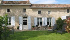 Charming large village house with 3-star gite