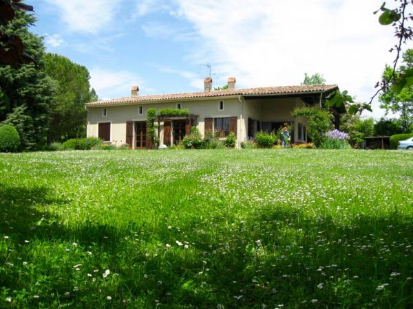 Charming house, great location with magnificent view over the Pyrenees.