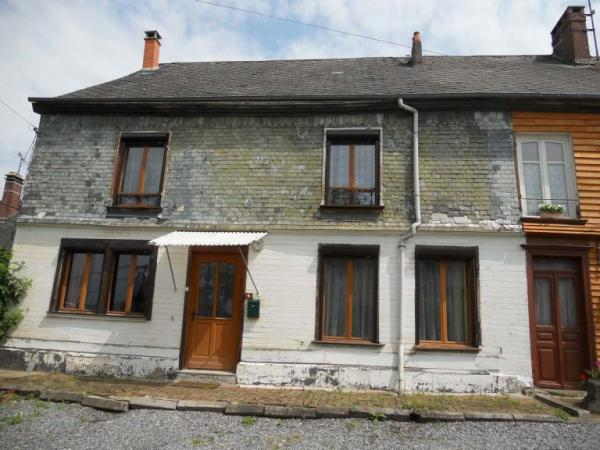 Charming renovated farmhouse with a kitchens and a bathroom on each floor