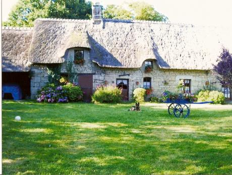 Thatched roof cottage renovated in 1998
