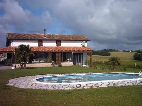 For Sale Country House With Swimming Pool And Mountain Views