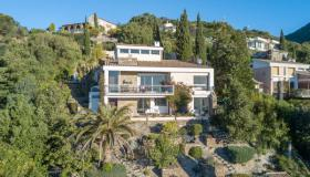 Villa with separate apartment and pool in Le Lavandou