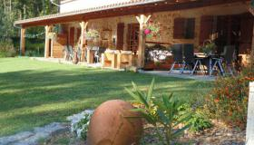 Characteristic chambres d'hotes (complex) for sale in Dordogne on more than 3 hectares