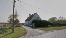 Farm with outbuildings on 1ha, only 5 kms from the beaches