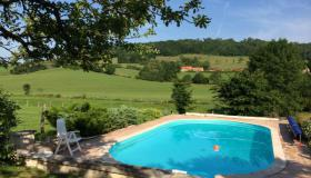 Renovated, free-standing farm house with pool and stunning views