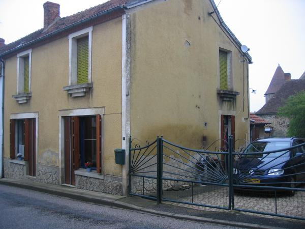 Large Village House close to Montmarault