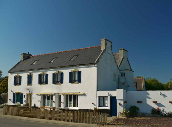 Large tourist business (Grand Gîte) SouthWest Brittany - 1 km beaches