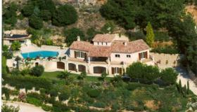 Spacious villa with heated pool and views of  the Mediterranean