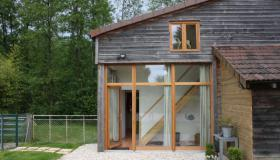 Barn conversion in perfect condition on good quality fittings (3700 m2)