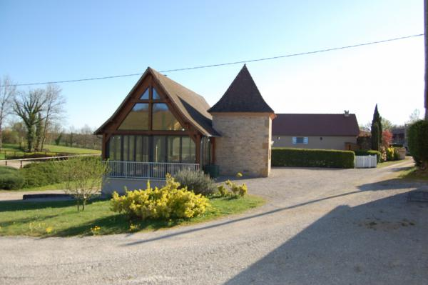 Beautiful property in South West France for sale, ideal for a family with a horse or a tourism activity