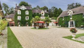 Le Domaine du Chevalier - ​ Luxurious & charming Family Home in Chantilly, near Paris.