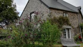 Lovingly renovated Norman farmstead - ideal for nature lovers