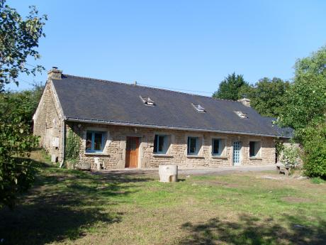 Longhouse in central Brittany. Negotiable