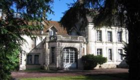 Luxurious manor with bed & breakfast, holiday home and mini-camp ground