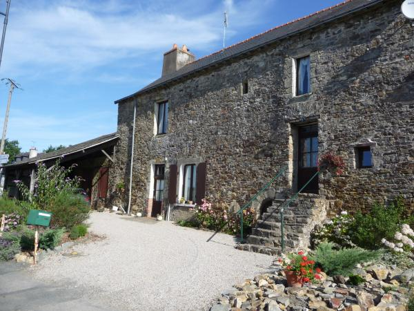 Large stone house near Brittany border