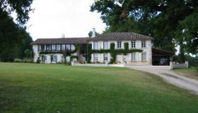 Magnificent country estate with pool on 50 hectares