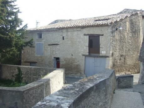 Beautiful village house in Taulignan