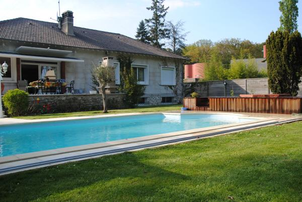 Magnificent villa in the forest of Fontainebleau
