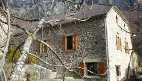 Mountain gite or large family house on three hectares in the heart of the cirque of Archiane