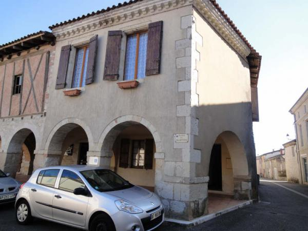 House in the heart of a mediaeval bastide