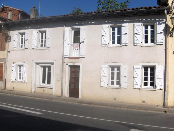 Fully renovated house in the town centre