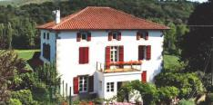 Maison de Maitre from the 1800s with excellent B&B potential