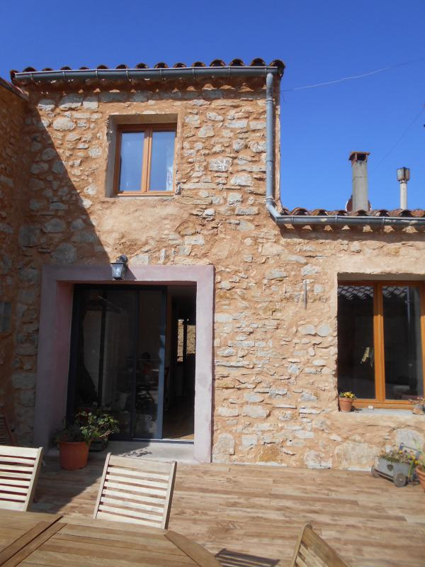 Renovated village home with big terrace and independant guest apartment