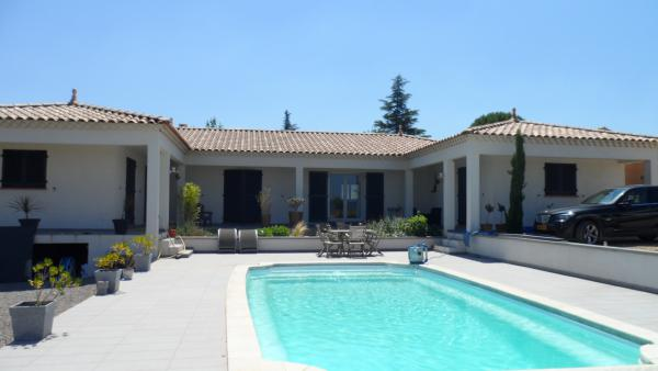 Nice spacious villa in Gard for sale with pool and heat pump in the Gard