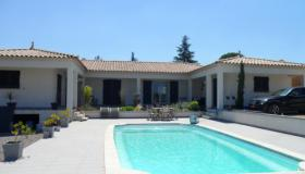 Nice spacious villa with pool and heat pump in the Gard