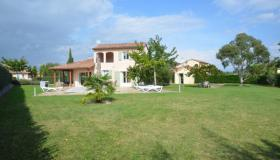 For sale: Profitable villa with heated pool in the Ardèche