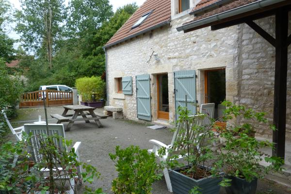 Original house 'Berrichonne' for sale in central France with separate gîte