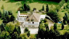 Paradise villa for sale in Northern France with sauna and swimming pool