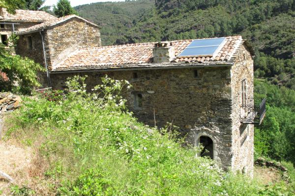Magnificent 1000 year old natural stone houses with great views in the heart of UNESCO World Heritage Site Cevennes Natural Park