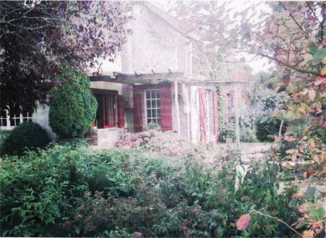 Charming property with 17th century guesthouse (Loiret)