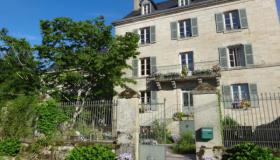 Recently renovated Manoir with 5 guest rooms and 2 gîtes in rural setting