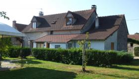 Rural house with gite business and heated pool for sale in South France