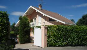 Contemporary villa five minutes from central Geneva