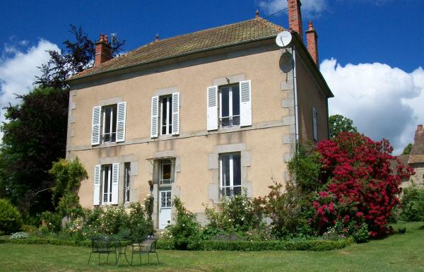 For sale superb renovated maison de ma tre with large for Architecture maison de maitre
