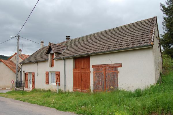 For sale (holiday) house in the Morvan, located near a village